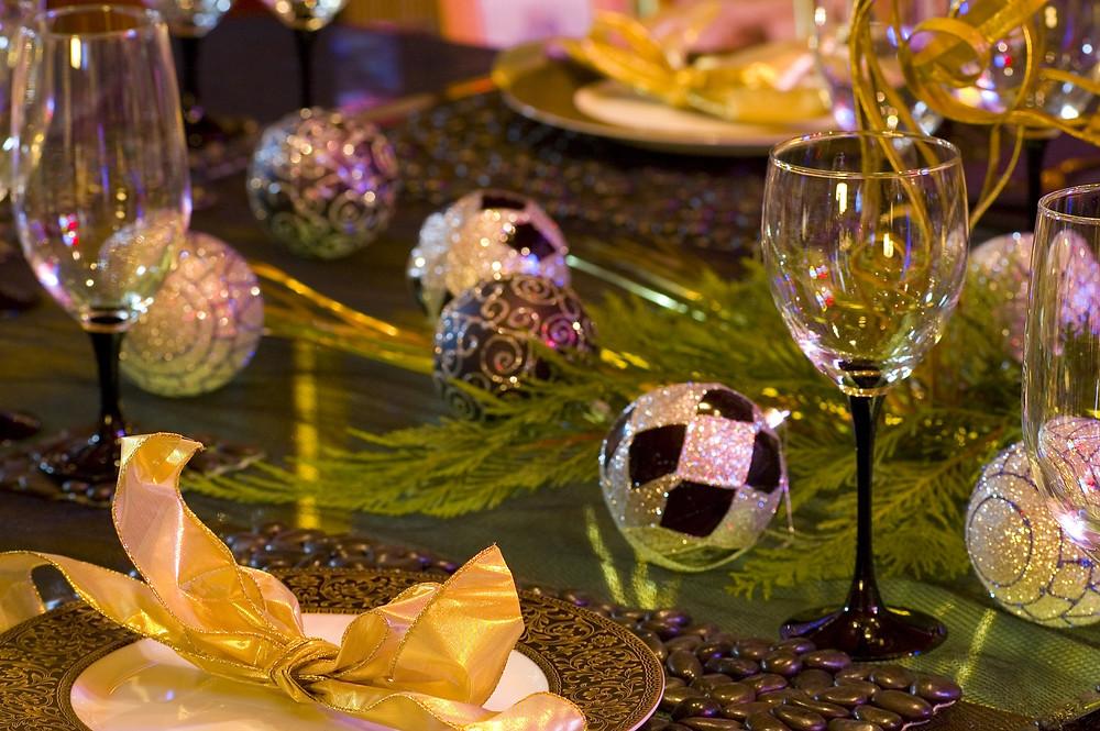 table runner garland Christmas dinner celebration