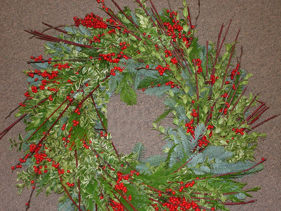 berries branches wreath christmas winter