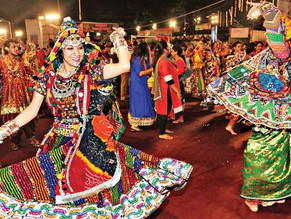 "Patients and healthcare workers performed ""Garba"" at Mumbai Covid Center!"