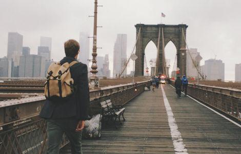 Cruce el puente de Brooklyn