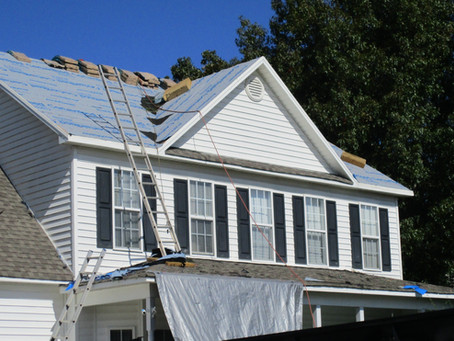 Should You Hire a Professional Roofer or do a DIY Roof Replacement?