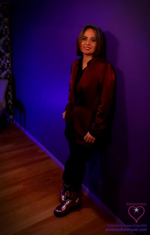 Angie PurpleRm 31May2020 IMG_4488  Cropp