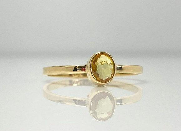 Anillo zafiro amarillo  oval