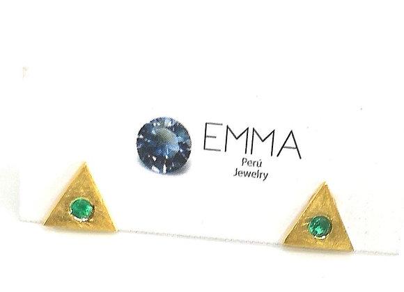 Arete triangulo con esmeralda