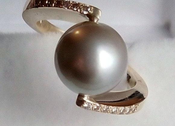 Anillo perla y diamantes