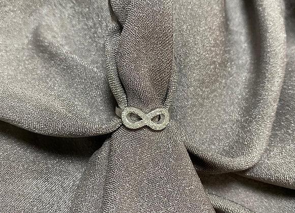 Anillo infinity escarchado oro blanco