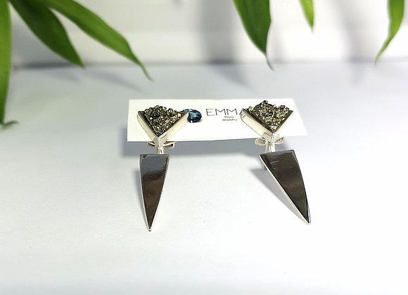 Arete pirita con triangulo