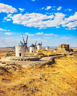 windmills-and-castle-spain_CastlesandKit