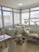 Consultório odontológico de implantes de dentes e aparelho ortodôntico