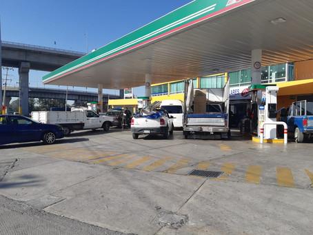 Gasolineras en Puebla trabajan con normalidad