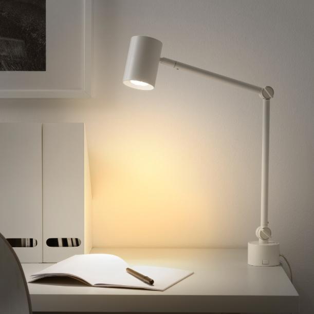 Lampe-de-travail-NYMANE-IKEA-bureau