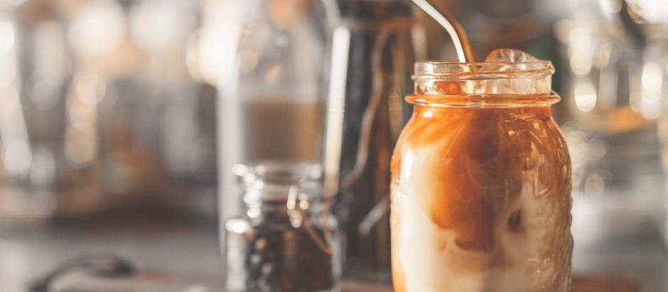 LA MEILLEURE RECETTE DE CAFÉ GLACÉ (LATTÉ)