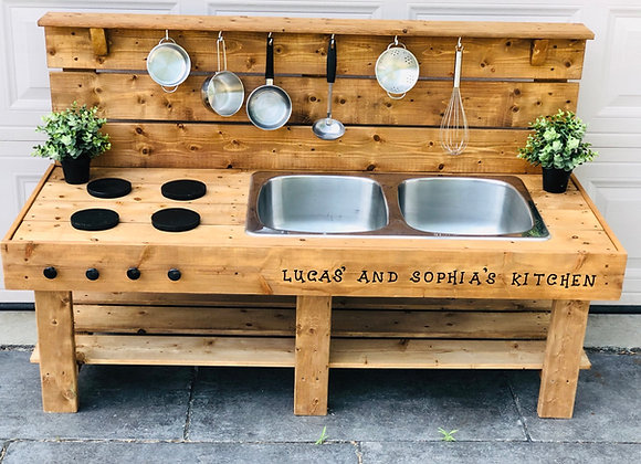 Classic Mud Kitchen