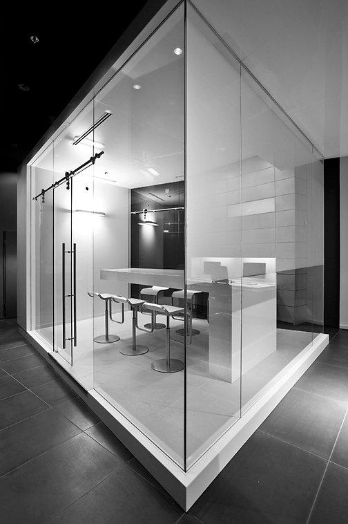 hochwertiger Ladenbau, Innenraumdesign, Möbeldesign, Besprechungsraum, Shopdesign