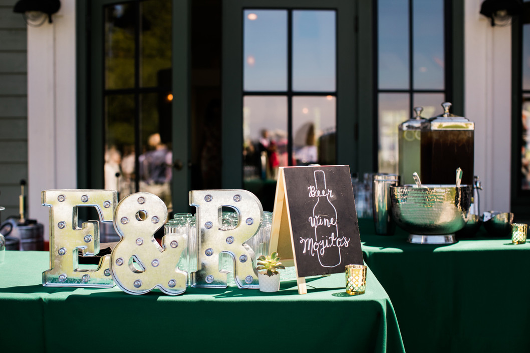 Tips + Tricks for an Awesome Summer Wedding