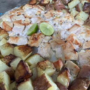 Pollo al Limón de Pica con Leche de Coco y Papas en una sola fuente!