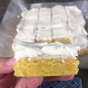 Barritas de Limon Express con Frosting de Queso Crema