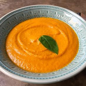 Sopa Cremosa Thai de Zanahorias Horneadas