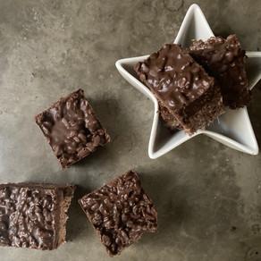 Barritas Crunchys de Chocolate, Cereal, Marshmallow y Mantequilla de Maní