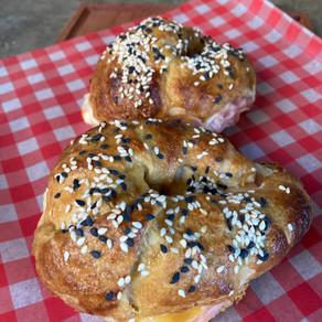 Croissants de Jamón y Queso Glaseados con Mostaza y Miel