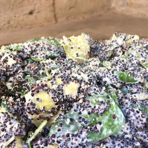Ensalada de Quinoa Negra con Espinacas y Alcachofas