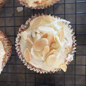 Muffins de Almendras y Amapolas con Glaseado de Limón