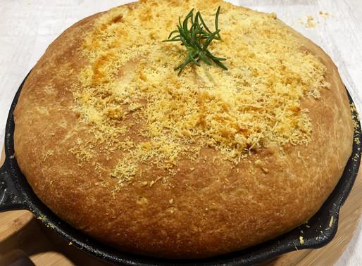 Pan con Romero y Parmesano sin Amasar