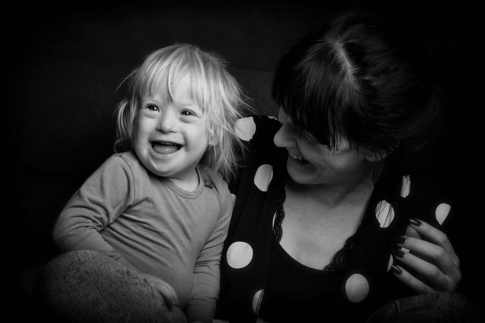 Nina und Oskar sind mit Down-Syndrom glücklich