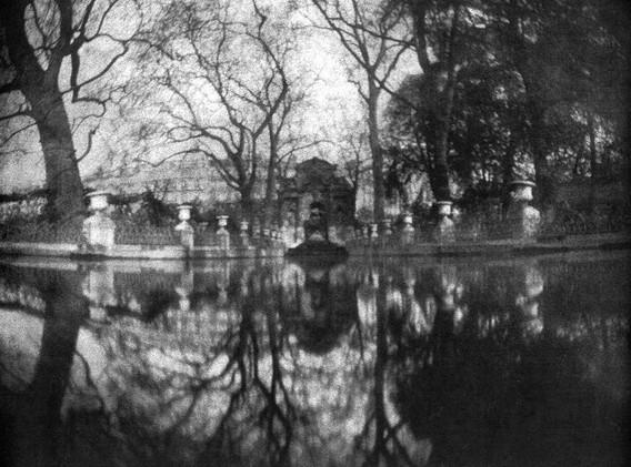 Fontaine des Medicis .jpg