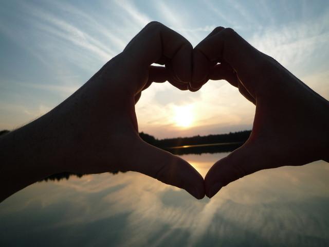 love-heart-1592821-640x480