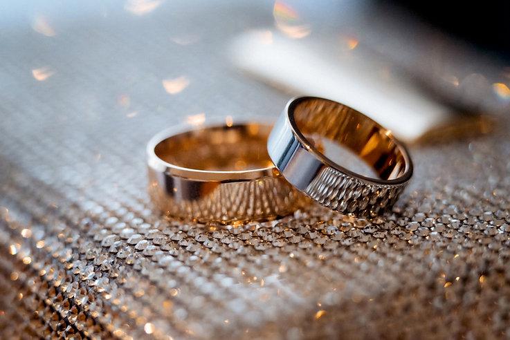wedding-rings-NM87YR6.jpg