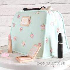 Make-Up-Bag-Cake.jpg
