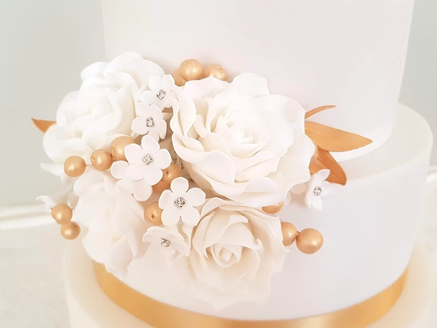 Gold-White-Wedding-Cake.jpg
