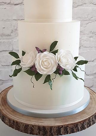 Mint-Ivory-Wedding-Cake.jpg