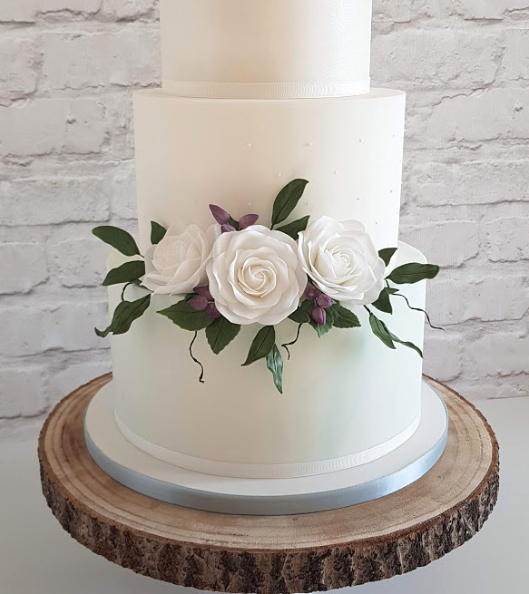Mint-Ivory-Wedding-Cake.jpg