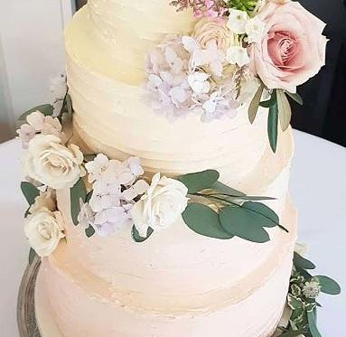 Rustic-Buttercream-Wedding-Cake