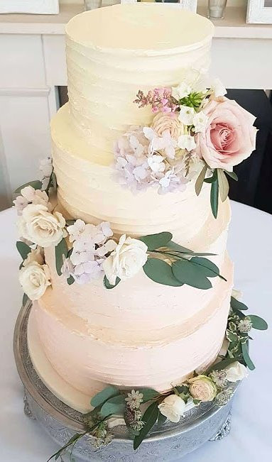 Rustic-Buttercream-Wedding-Cake