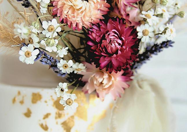Dried-Flower-Wedding-Cake