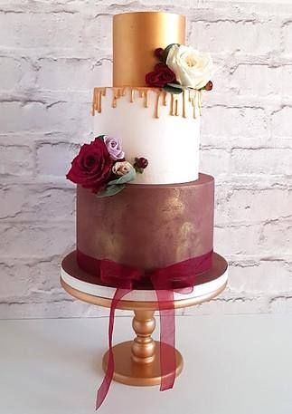 Burgundy-Gold-Wedding-Cake.jpg