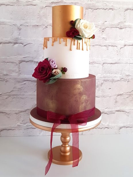 Burgundy-Gold-Wedding-Cake.jpg