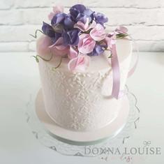 Freesia-Celebration-Cake.jpg