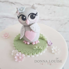 Cute-Owl-Birthday-Cake.jpg