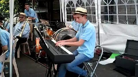 Music' au Lac