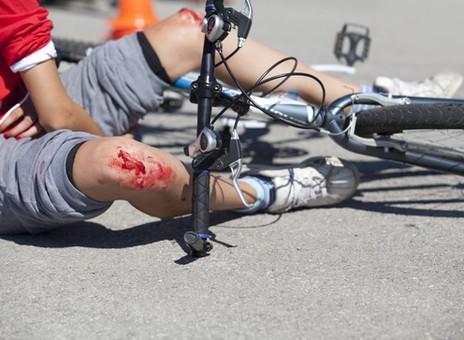 העירייה לא כיסתה בור בכביש - רוכב האופניים שנפצע יקבל פיצוי
