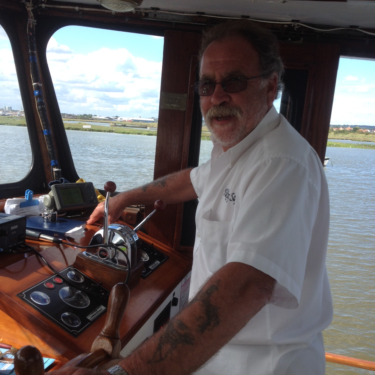 1st Mate Pete at the wheel