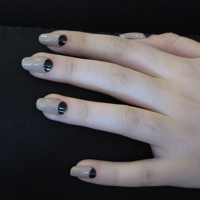 #nude #black #nailart #nails #manicure #ghmanicure #pamperedsoles _love_racing_43 #pamperedsolesdall