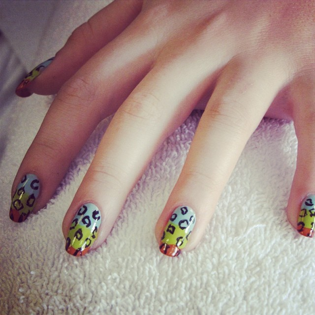 #crazy #prints #manicure #nails #nailart #ghmanicure #pamperedsoles _love_racing_43 #pamperedsolesda