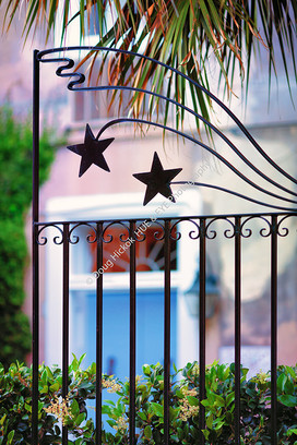 1904 Star Gate