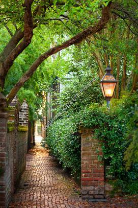 2005 Stolls Alley Lantern 01