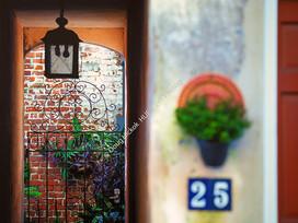 2001 French Quarter Gate 1